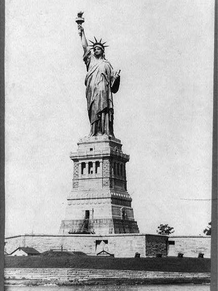 Statue-Liberty.jpg.2600x3467.tall.jpg